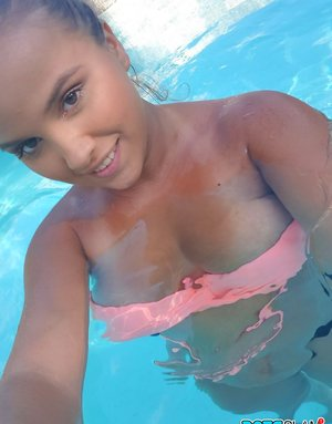 Sexy Latina Bikini Pics